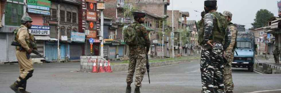 Two Days Curfew Imposed in Kashmir Apprehending Violent Protests Over One Year Anniversary of Article 370 Revocation
