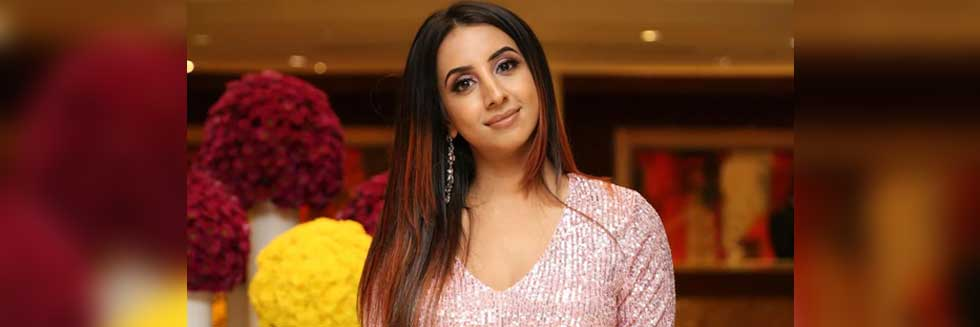 CCB Raids Actor Sanjana Galrani in Sandalwood Drug Racket Case