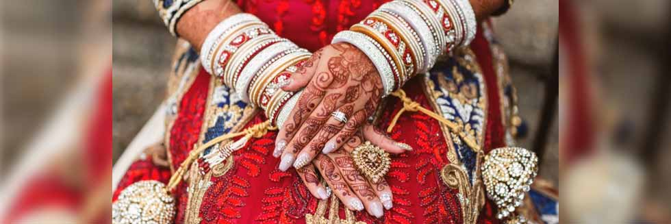 "Real Life ""Looteri Dulhan"" Married and Duped Eight Senior Citizens in 10 Years; Family and Matrimonial Agency also Booked"