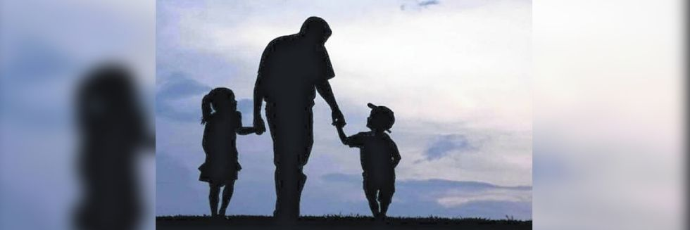 """""""Father's Responsibilities Wouldn't End With Son Attaining Majority"""": Delhi High Court"""